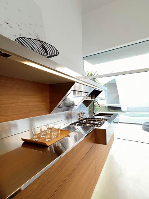 Большая и светлая кухня фото 2