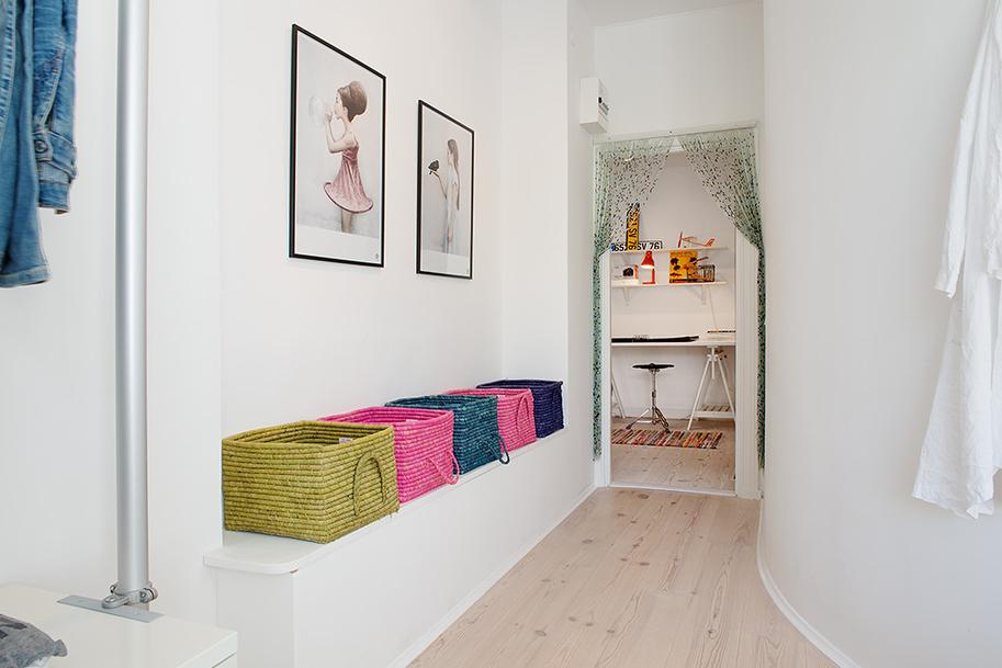 Дизайн красочной квартиры в Швеции фото 9
