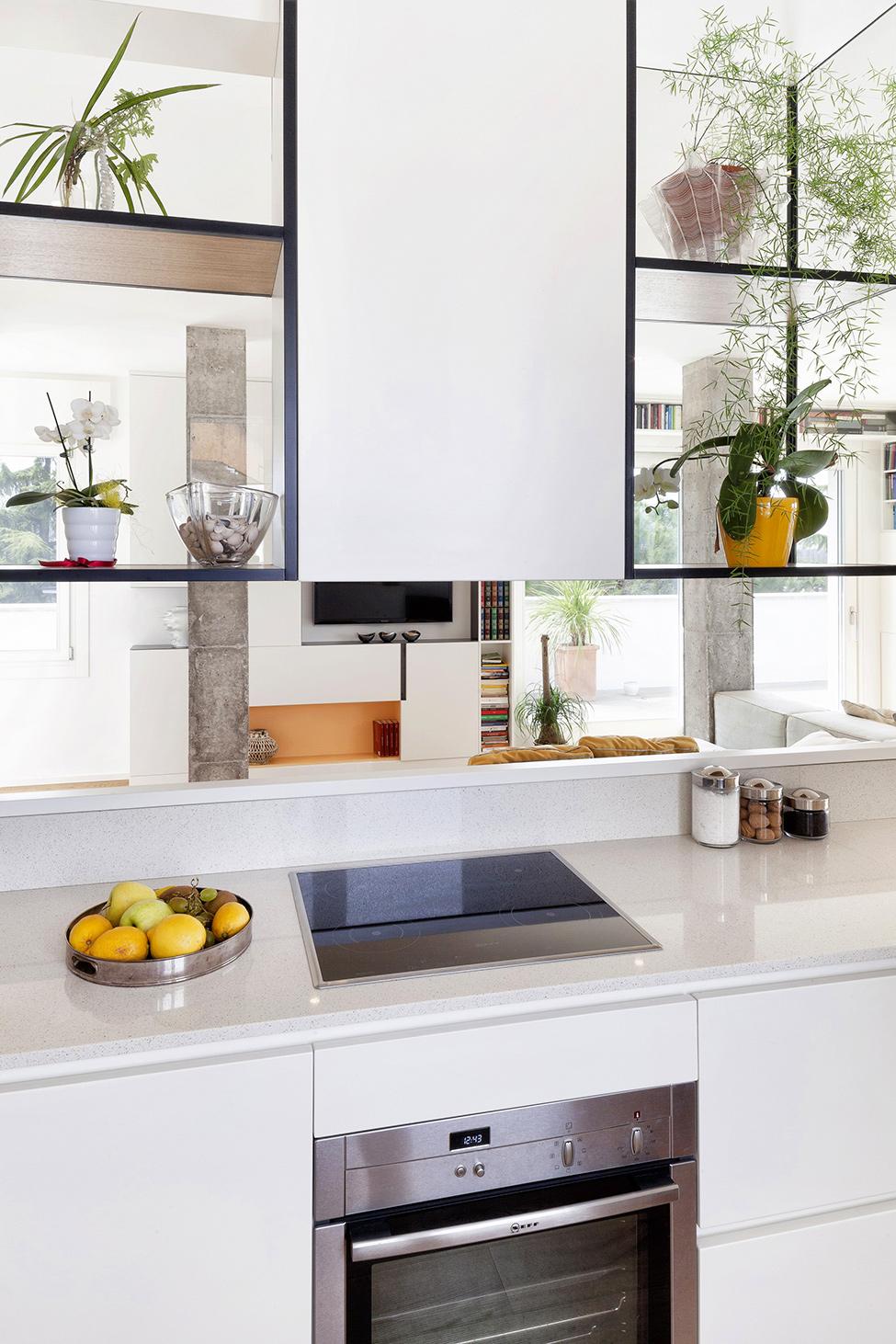 Дизайн ярких апартаментов фото 9