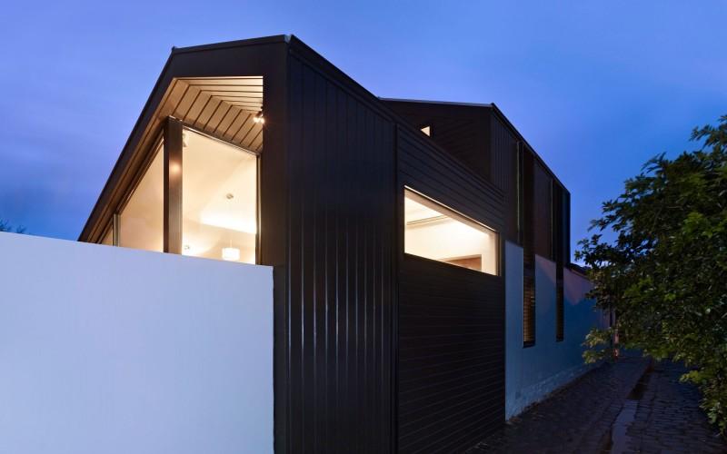 Дом с современной линией дизайна фото 2