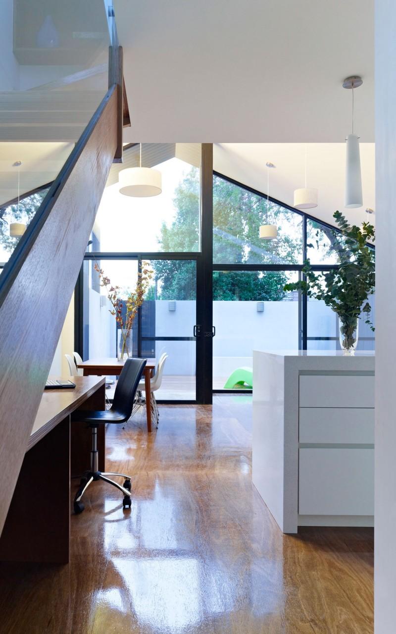 Дом с современной линией дизайна фото 6