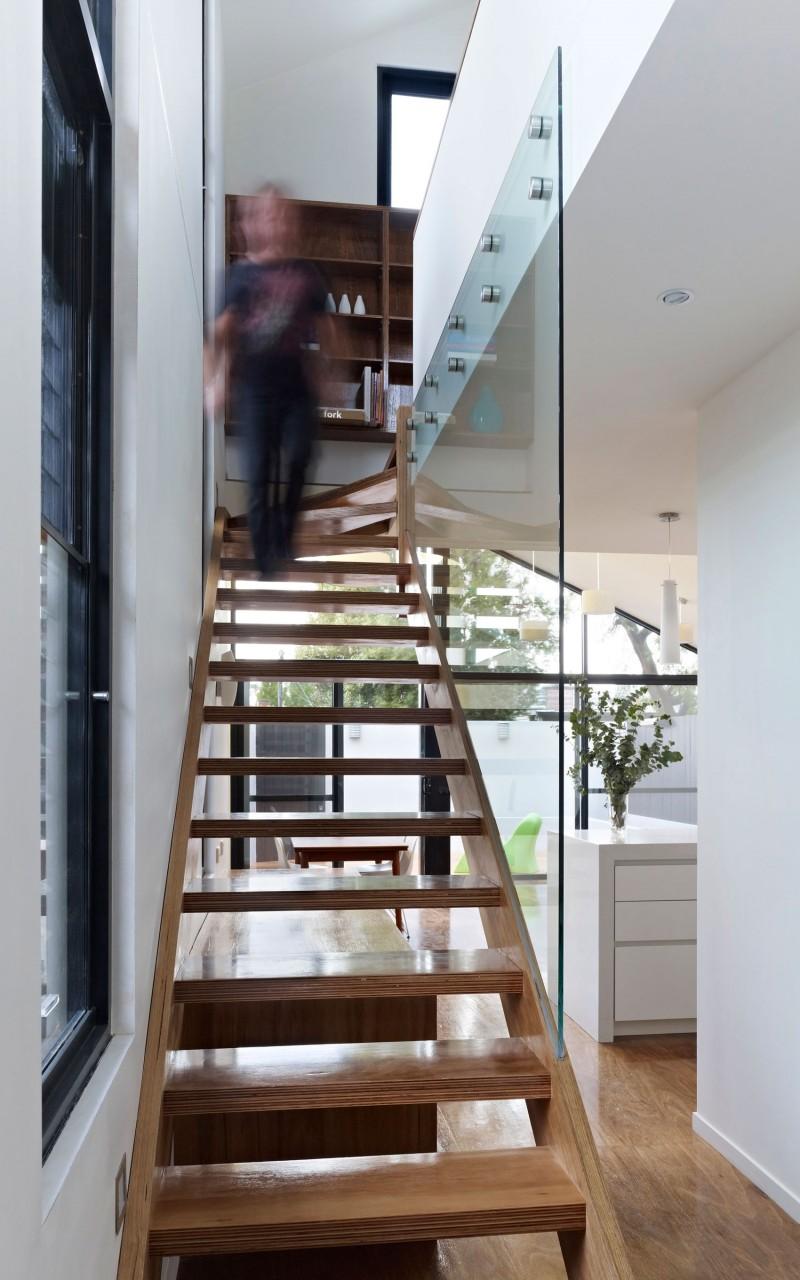 Дом с современной линией дизайна фото 9