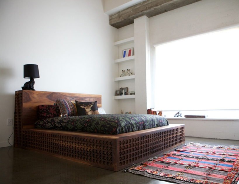 Уникальная кровать с элементами ручной работы фото 1