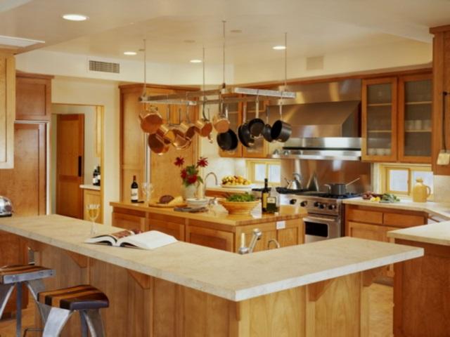 Интересный вариант интерьера кухни