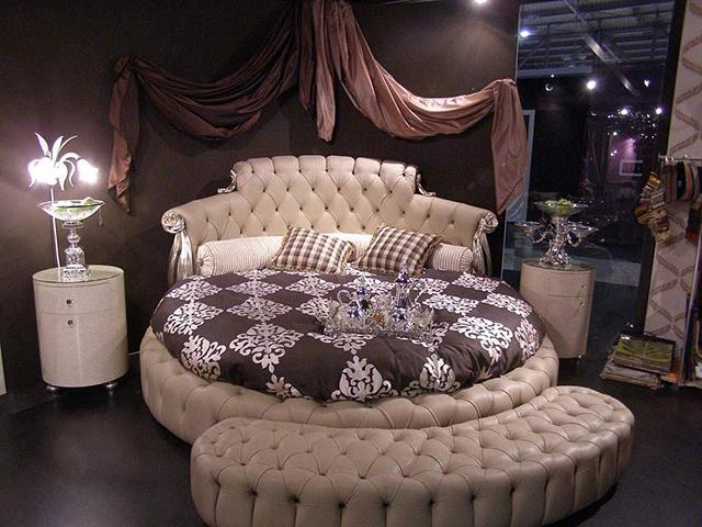 Украшаем свою спальню необычно