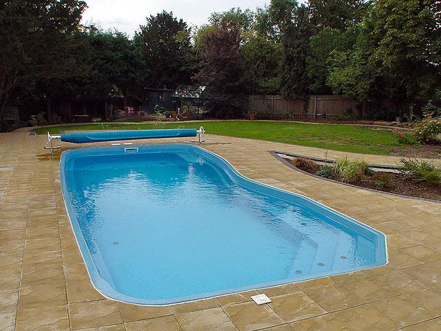 Какое оборудование нужно для бассейна?