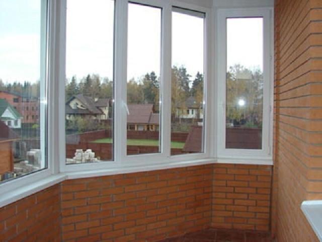 Остекление балконов окнами ПВХ