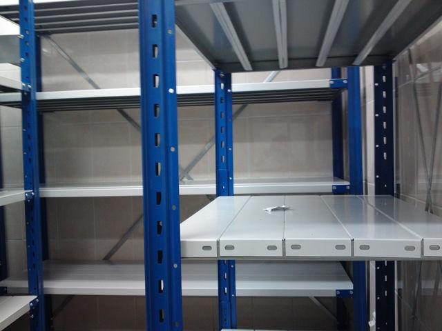 Особенности использования подъемных столов в работе склада
